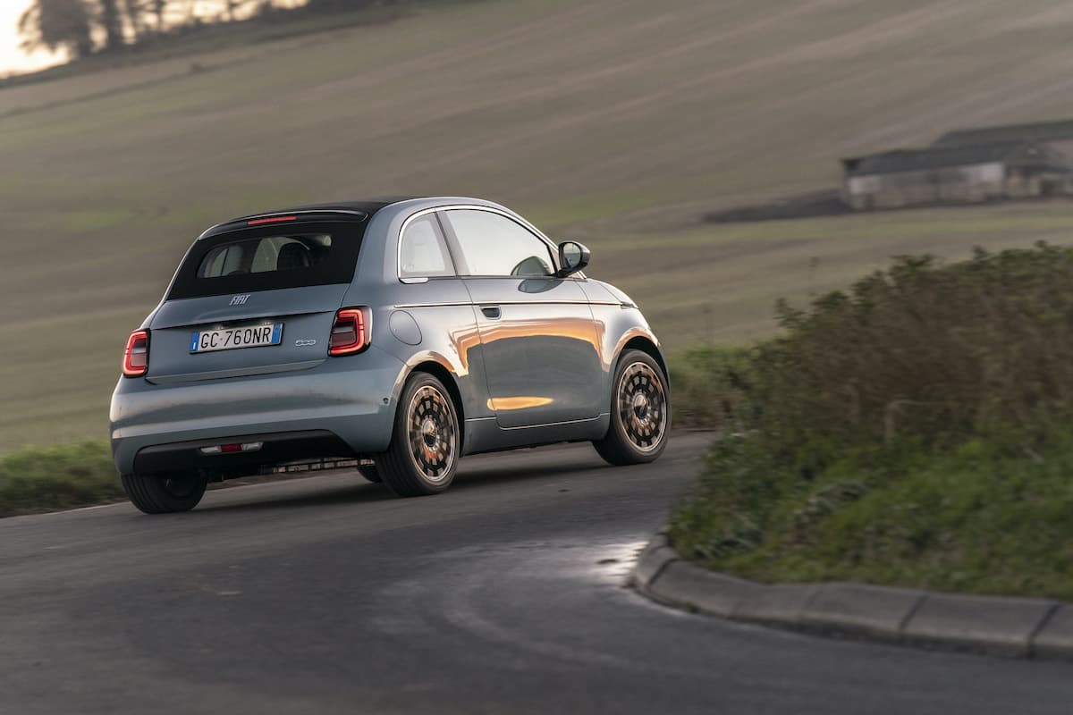 Fiat 500 Electric (2021 onwards) - rear view