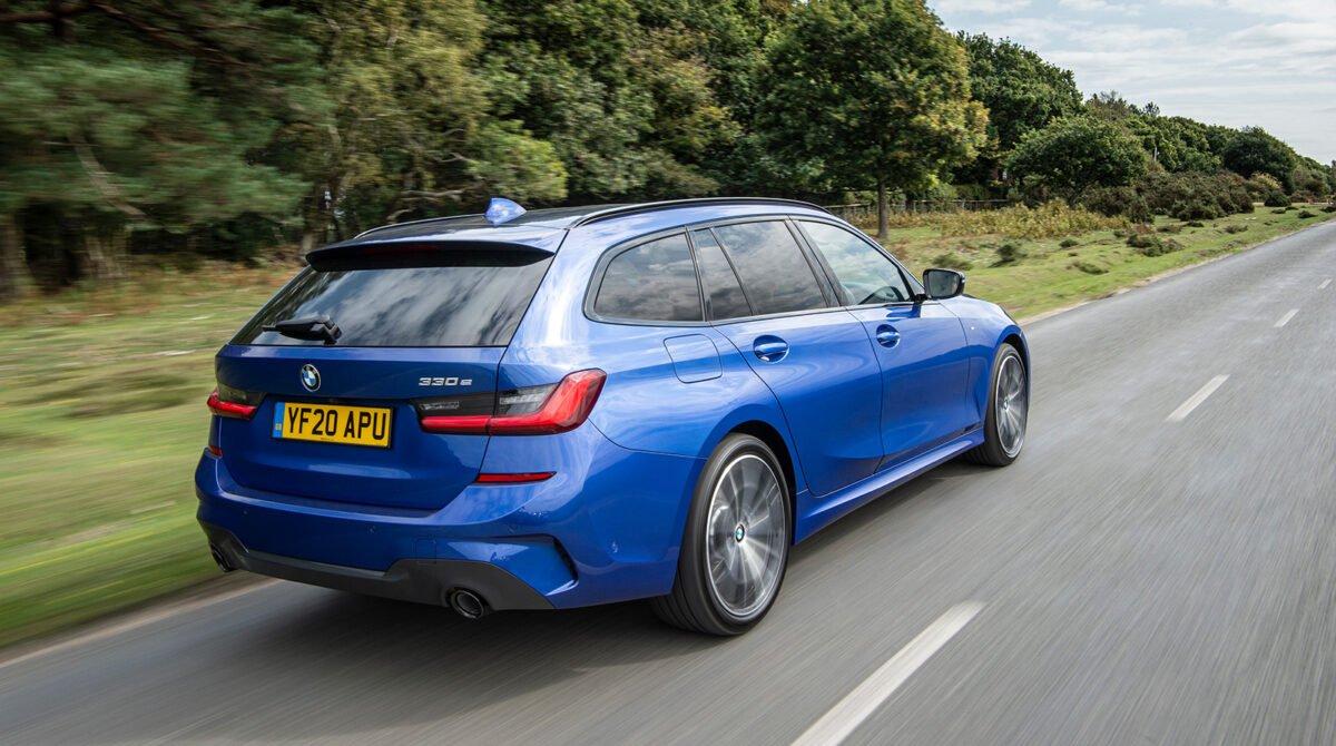 BMW 330e rear action