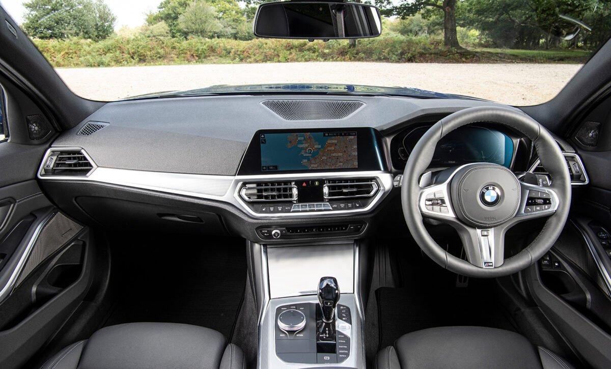BMW 330e cabin