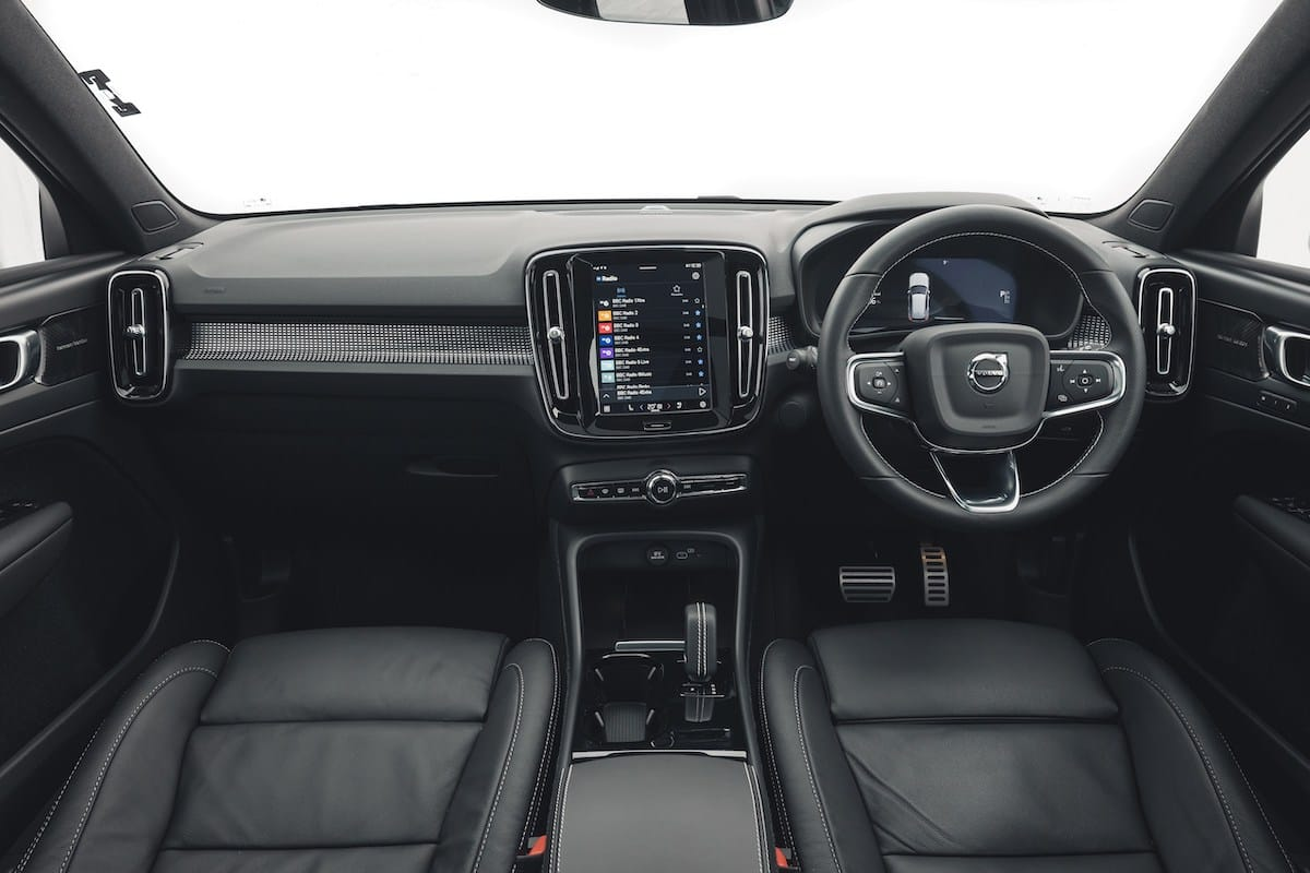 Volvo XC40 Recharge (2021 onwards) – interior and dashboard