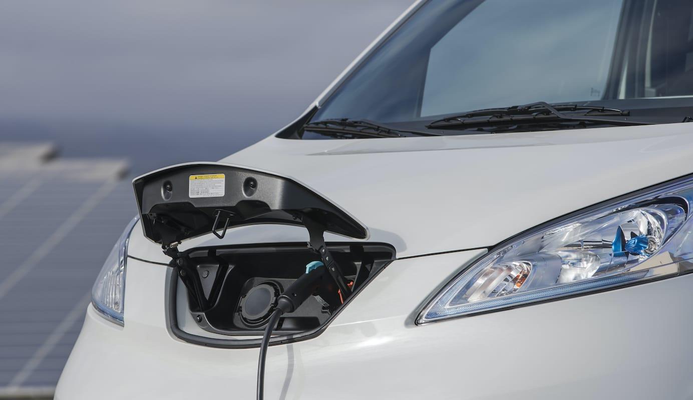 Nissan e-NV200 Combi (2014 onwards) – charging port