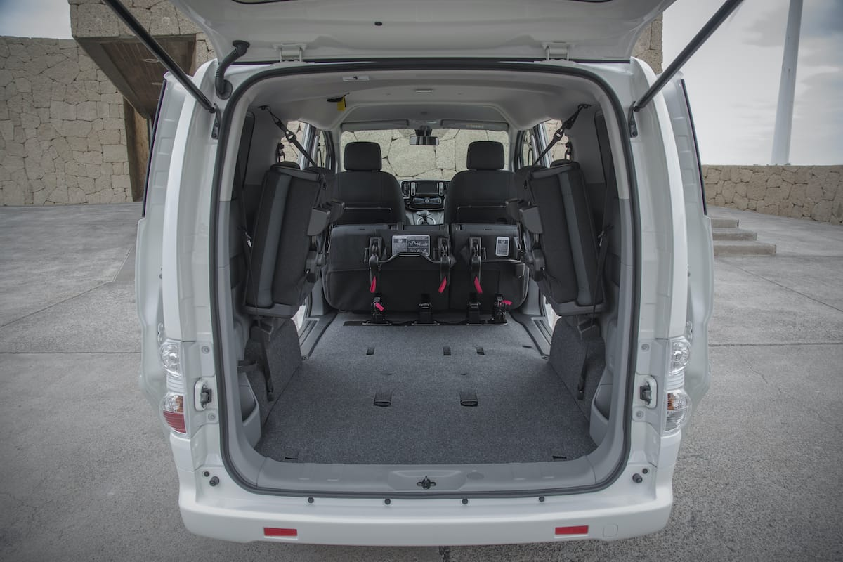 Nissan e-NV200 Combi (2014 onwards) – boot space