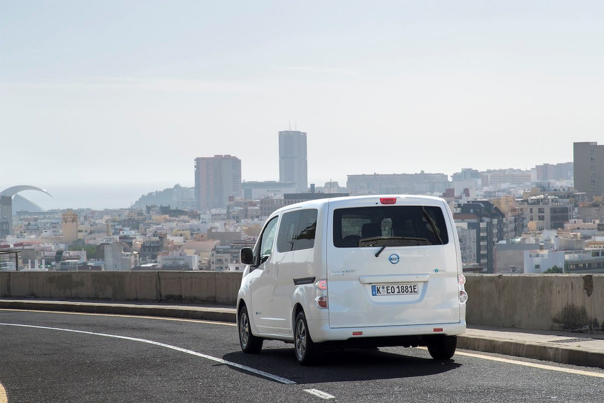 Nissan e-NV200 Combi (2014 onwards) – rear
