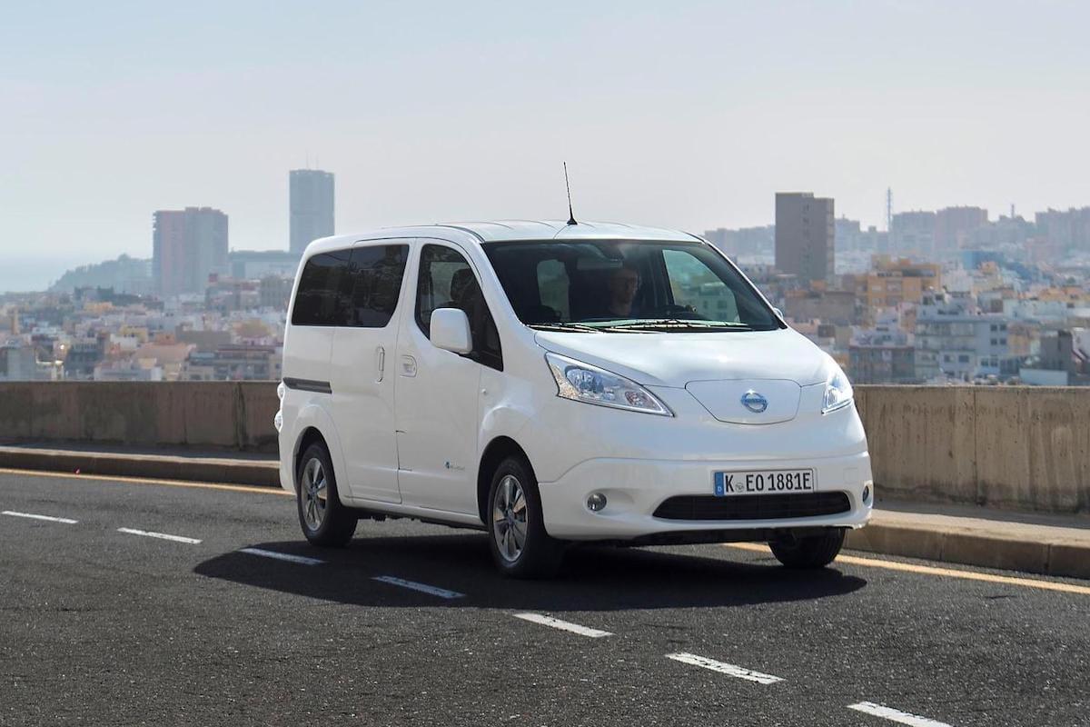 Nissan e-NV200 Combi (2018 facelift) – front