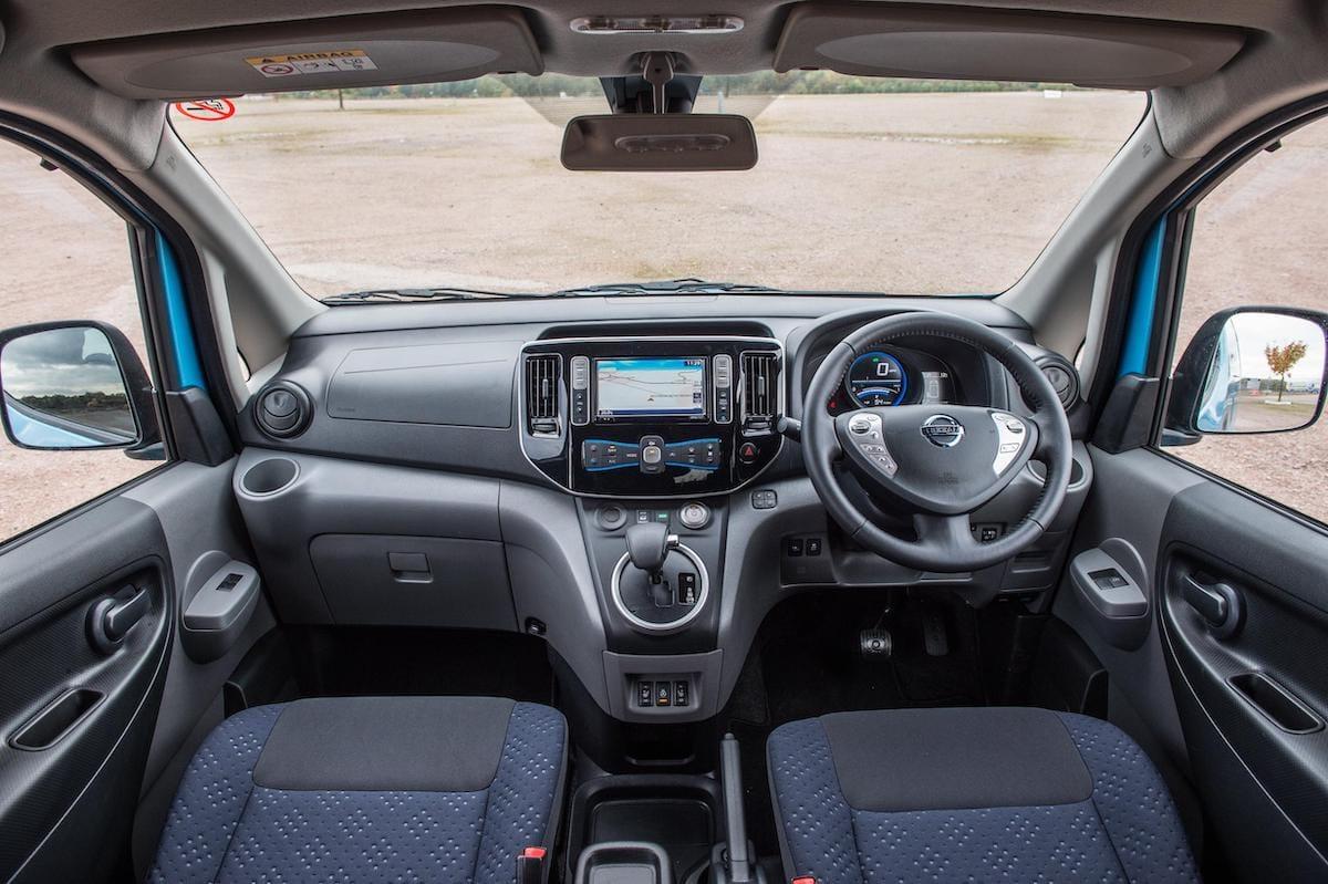 Nissan e-NV200 Combi (2014 onwards) – dashboard