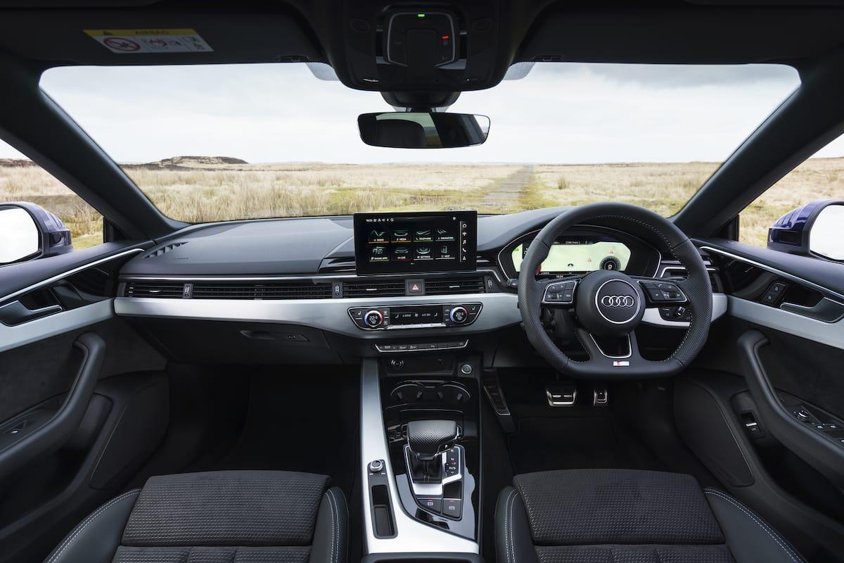 Audi A5 Coupé (2016 onwards) - interior and dashboard