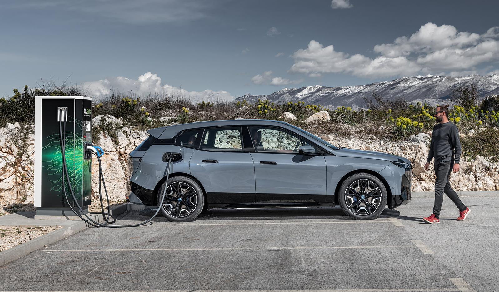 BMW iX side I