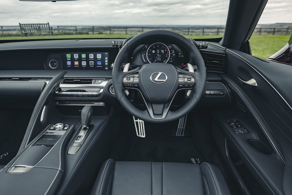 Lexus LC convertible (2020 onwards) – dashboard