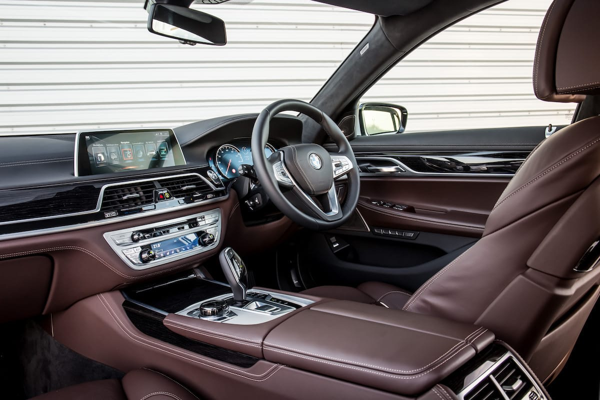 BMW 7 Series (2015 - 2019) – interior and dashboard