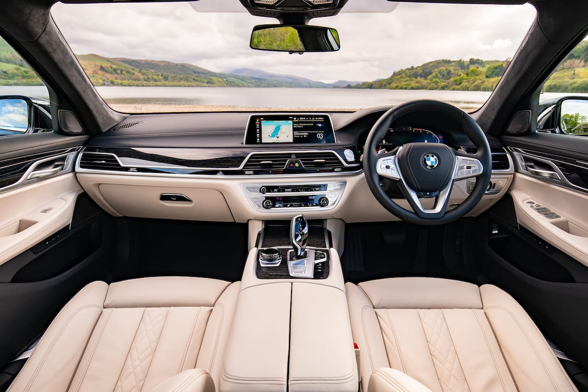BMW 7 Series (2019 onwards) – interior and dashboard