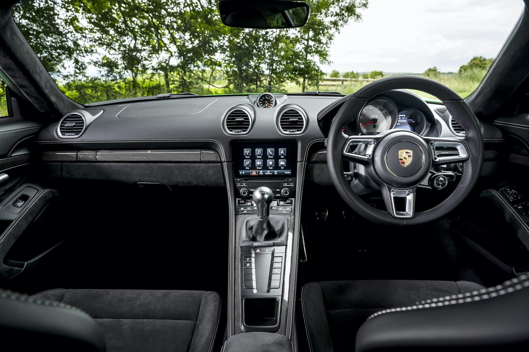 Porsche 718 Cayman GTS 4.0 (2016 onwards) - interior and dashboard