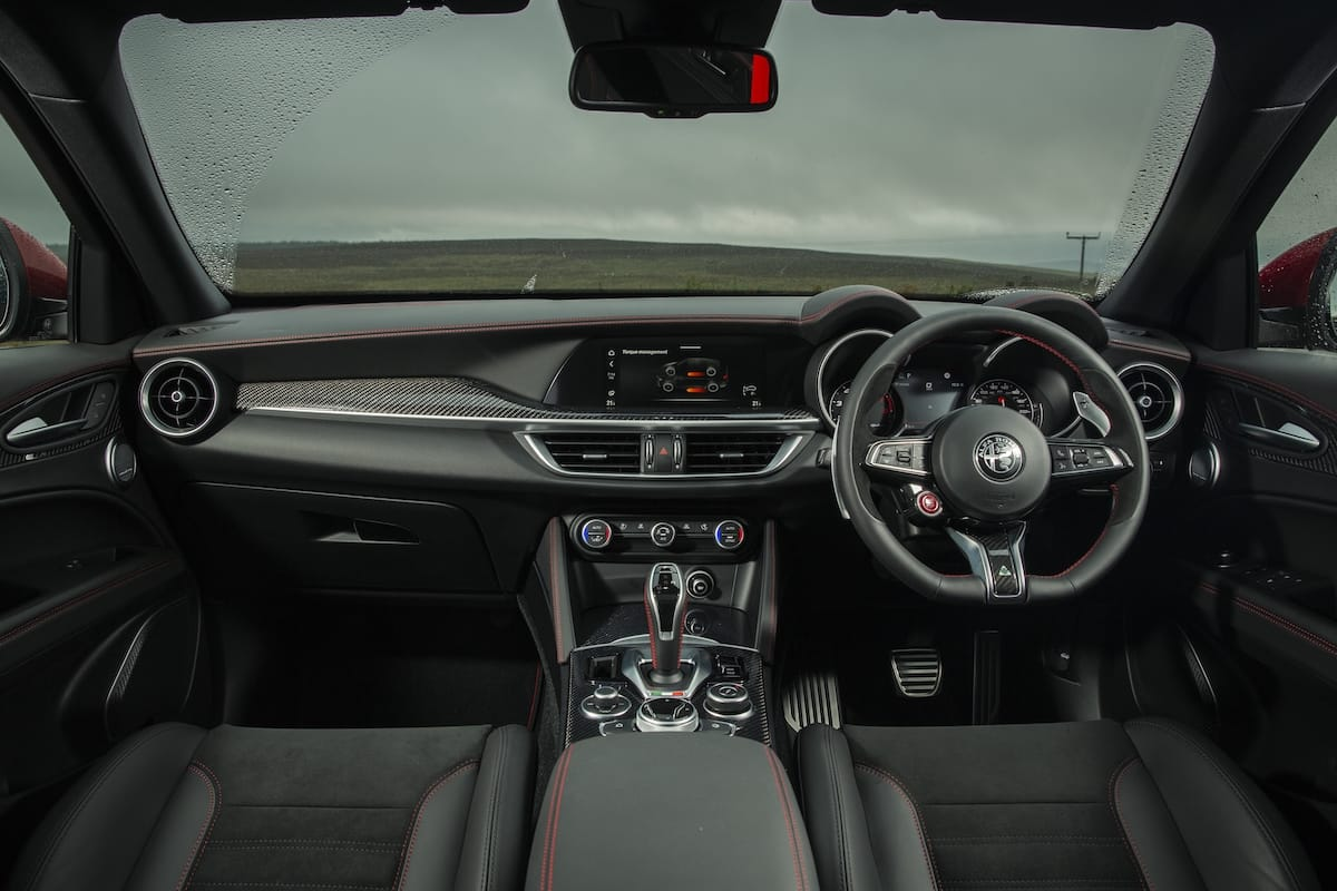 Alfa Romeo Stelvio Quadrifoglio (2018 onwards) – dashboard