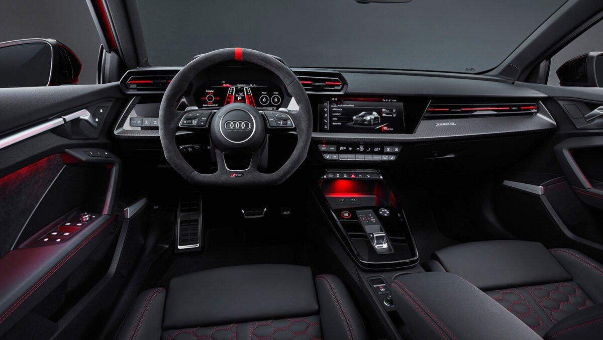Audi RS 3 cockpit